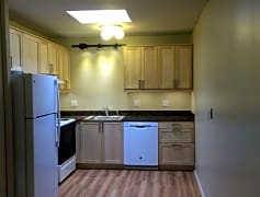 2BR Updated kitchen with granite countertops