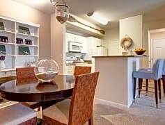 Dining Room off the Kitchen For a Perfect Entertaining Layout