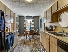 Spacious kitchens to entertain
