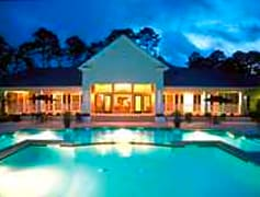 Pool w/ clubhouse