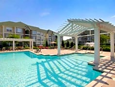 2&3 Bedroom Apartments with Pool Views