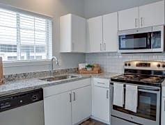 Upgraded Kitchen with Stainless Steel Appliances