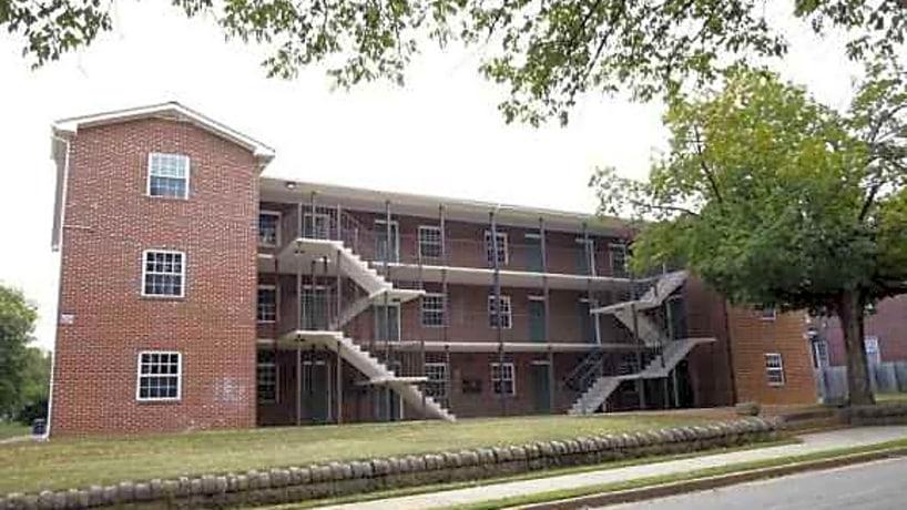 Community Capital Apartments 602 Day Avenue Roanoke