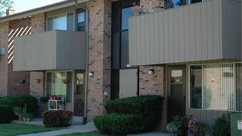 Lisbon Court Apartments - 9100 W Lisbon Avenue | Milwaukee ...