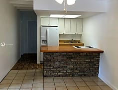 4010 SW 54th Ave 1, 0