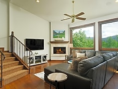 Living Room, 449 Mountain Laurel Dr 3, 0