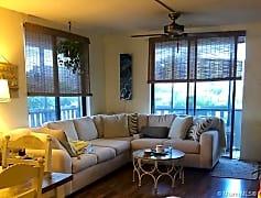 Living Room, 919 Hillcrest Dr 402, 0