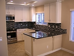 2960-champion-way-unit-1316-tustin-ca-remodeled-kitchen.jpg