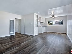 3033 S Pacific Ave 3, 0