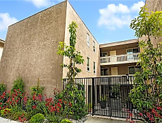 Building, 530 Cliff Dr 304, 0