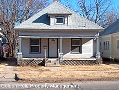 Building, 918 N Poplar St, 0