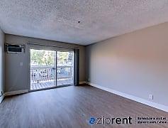 Living Room, 475 S E St, Apt 9, 0