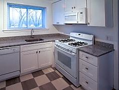 Braeside - kitchen 2.jpg