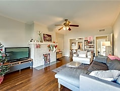 Living Room, 5104 Mission Ave, 0