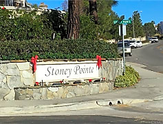 Stoney Pointe sign.jpg