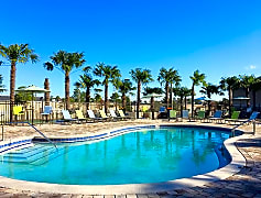 Take a dip in our resort-style swimming pool and escape the Florida sun.