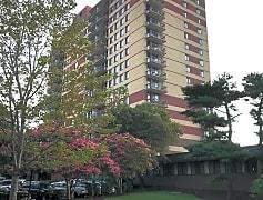 Building, 801 N Pitt St 1405, 0