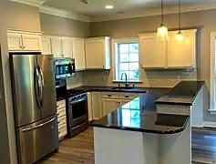 Kitchen, 300 Maple Dr, 0