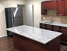 1034 Kenwood - Kitchen.jpg