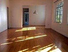 Living Room, 7621 NE 7th Ave, 0