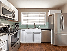 Kitchen, 258 NW Hillcrest Dr, 0