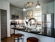 Newly Renovated Apartment Homes with Stainless Steel Appliances