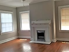Living Room, 806 Briarcliff Rd NE C, 0