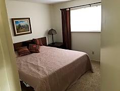 back bedroom.jpeg