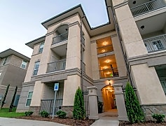 Courtyard, The Villa at River Pointe Drive, 0