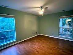 Living Room, 1006 Kingswood Dr, 0