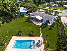 Pool, 615 Laurel Ct, 0
