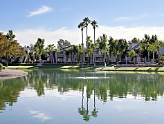 Scenic Surroundings at Lakeview at Superstition Springs Apartments in Mesa AZ