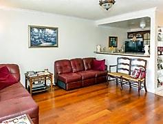 Living Room, 630 Layne Blvd, 0
