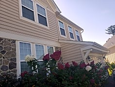 house - outside1.jpg, 220 WINDOM WAY, 0