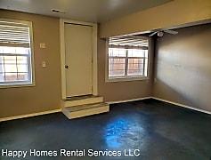 Living Room, 526 E Reid Ave, 0