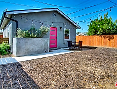 5325 9th Ave 5327, 0