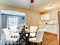 Dining Room, 5650 Pardee Ave, 0