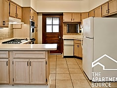 Kitchen, 1141 W Taylor St, 0