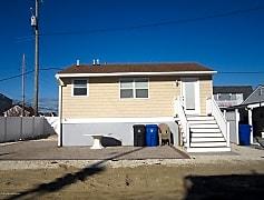 Building, 112 Albacore Dr, 0