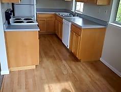 Unit C Kitchen 2.jpg, 815, 0