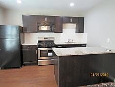 Kitchen, 1024 W Woodlawn Ave 6, 0
