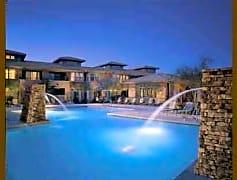 4 Luxury Pools - 2 Heated