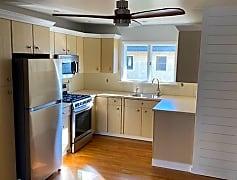 Kitchen - IMG_1089.jpg
