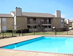 Pool, 2261 W Buckingham Rd, 0