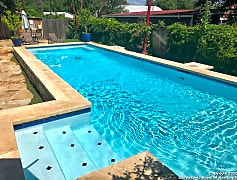 Pool, 3221 N Flores St 4, 0