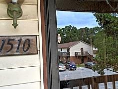 1510 Forest Knolls Cir SE, 0