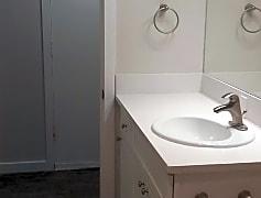 Bathroom, 614 Sheridan Road, 0