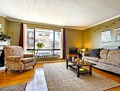 Living Room, 414 Head St, 0