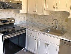 Kitchen, 170 Nassau Dr, 0