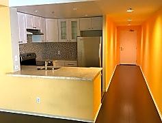 Y 240Lombard hallway and Kitchen 1.jpg, 240 lombard street Unit 639, 0